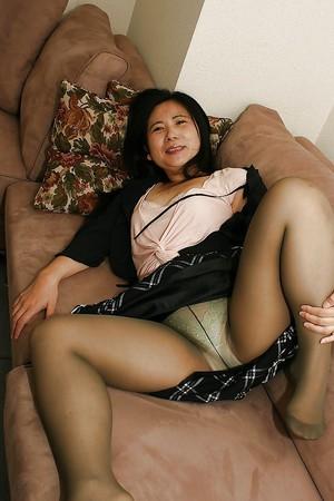 Massage ass asian happy ending