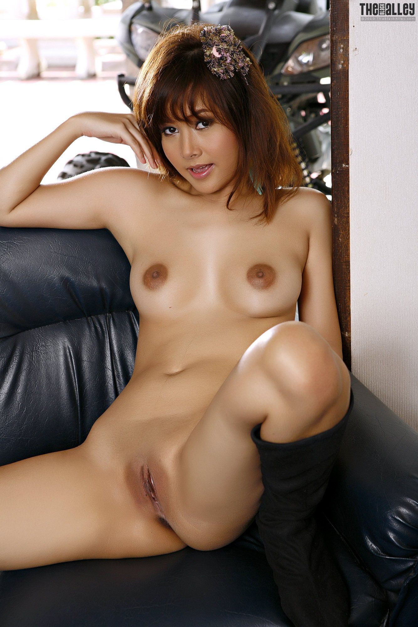Nude Photo HQ Asian gallery post thumbnail