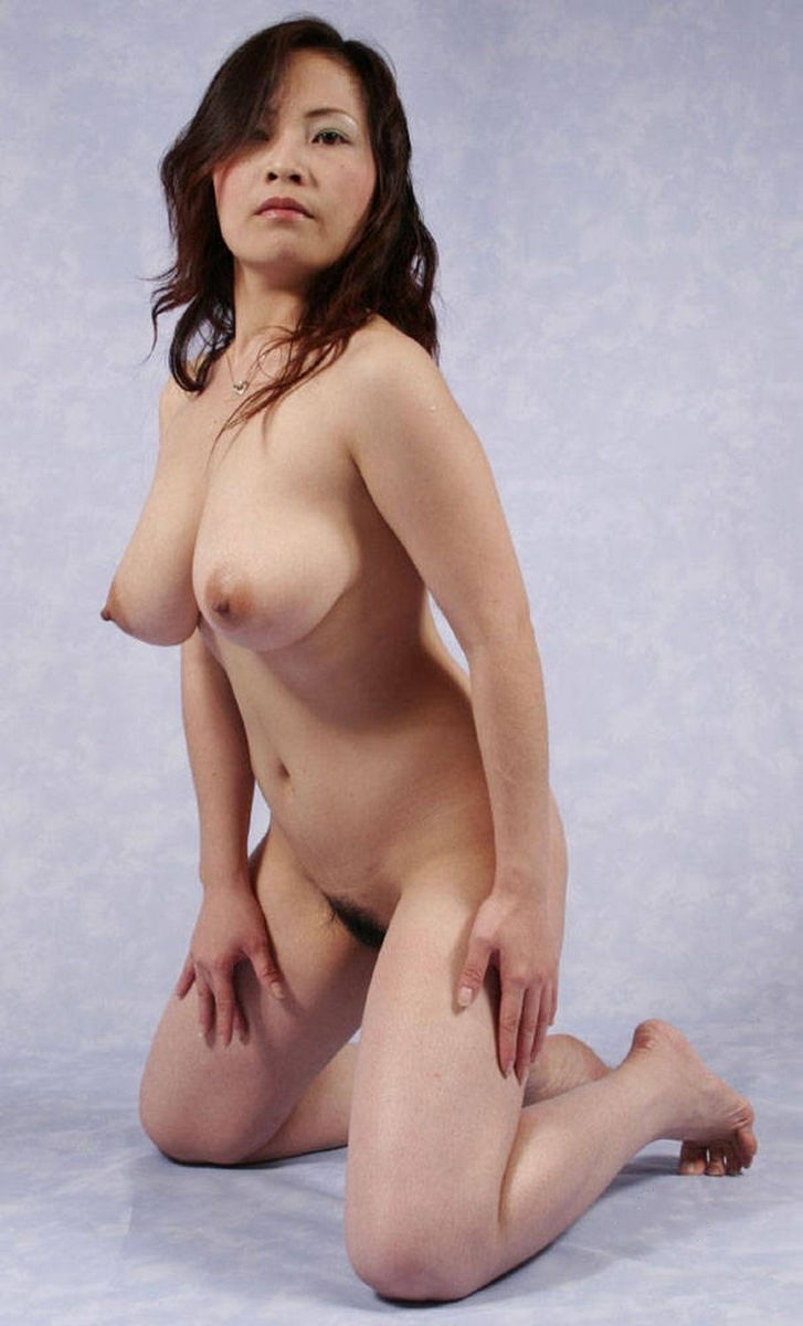 Busty chinese pussy